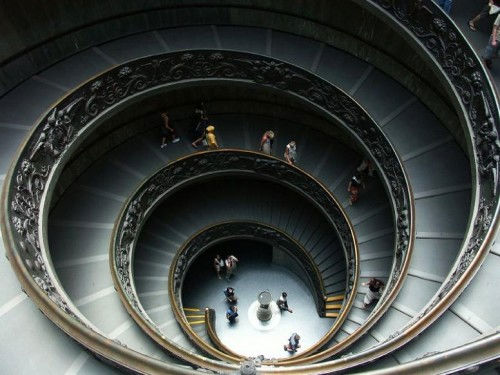 Architecture d'escaliers en spirale design