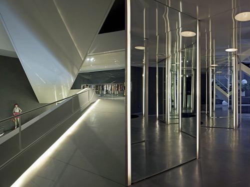 Ayres 02 Design, concept et architecture de magasins et de boutiques