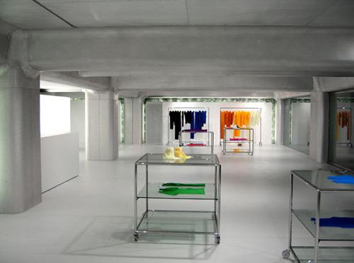 Issey Miyake Pleats Please 01 Design, concept et architecture de magasins et de boutiques