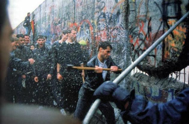 destruction mur de Berlin