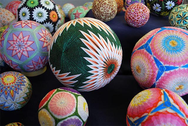 temari-balls-1