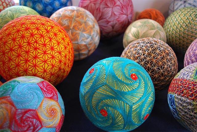 temari-balls-2