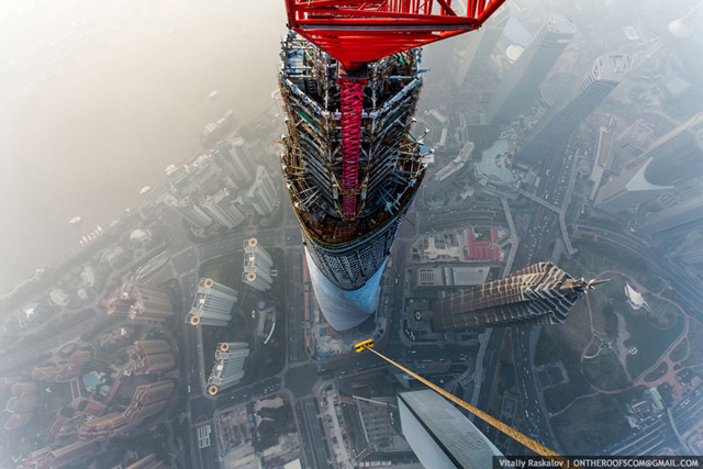 photos-from-shanghai-tower-climb-vitaliy-raskalov-51