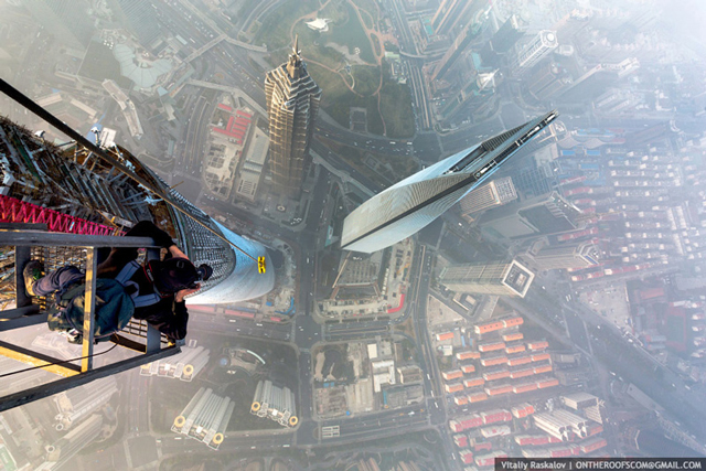 photos-from-shanghai-tower-climb-vitaliy-raskalov-6