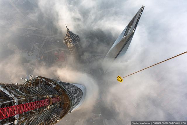 shanghai-tower-climb-pictures-vadim-makhorov-9