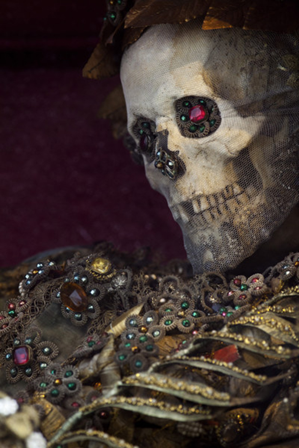 - Mondsee, Austria, Detail of the skull and chest of the relic of St. Acatemera. In the 1730s, the former Benedictine monastery acquired four skeletons of presumed martyrs from the Roman Catacombs as re -